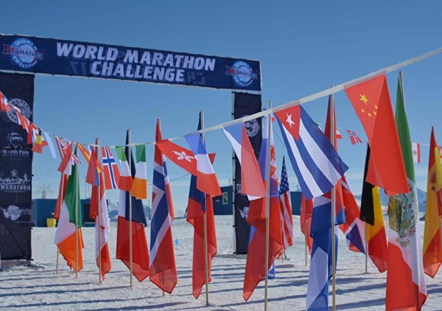 World Marathon Challenge no gelo