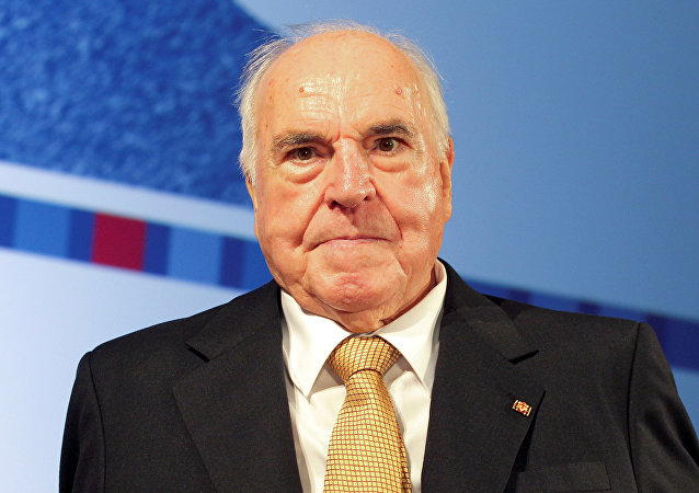Germany's former Chancellor Helmut Kohl attends a stamp unveiling ceremony during a reception in Berlin. (File)
