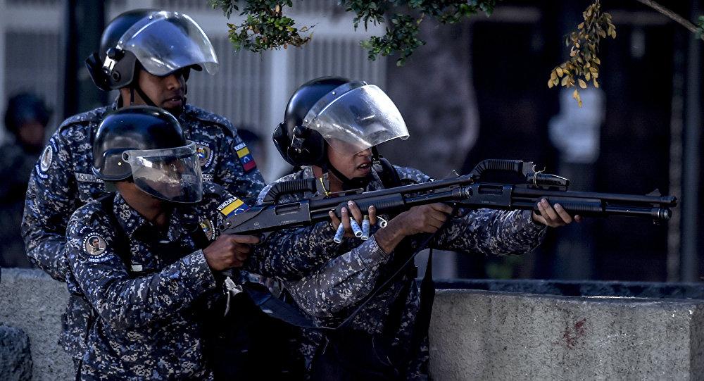 Policiais venezuelanos