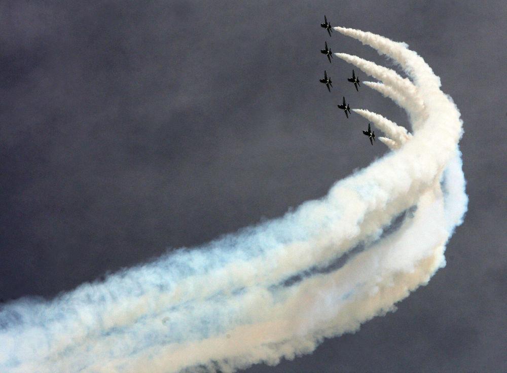 Aviação saudita participa de show em Kuwait por ocasião do 20º aniversário do fim da Guerra do Golfo