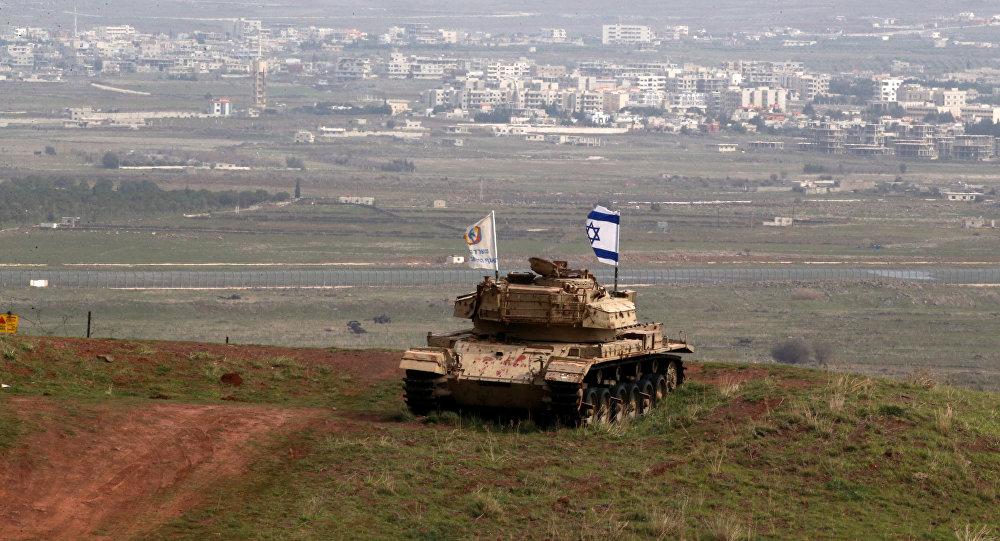 Tanque antigo de Israel posicionado perto da fronteira com a Síria, 11 de fevereiro de 2018