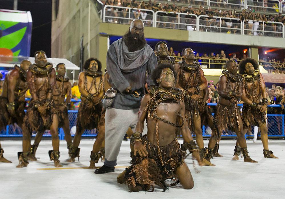 Paraíso do Tuiuti passou pela Sapucaí para recontar a história da escravidão no Brasil