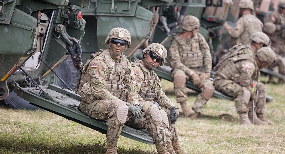 Soldados norte-americanos durante os exercícios militares da OTAN Saber Strike, Polônia