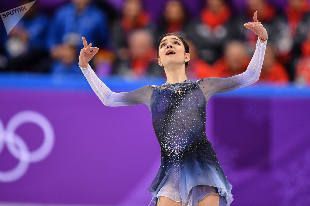 Patinadora artística russa Yevgenia Medvedeva compete durante as Olimpíadas de Inverno 2018, em Pyeongchang