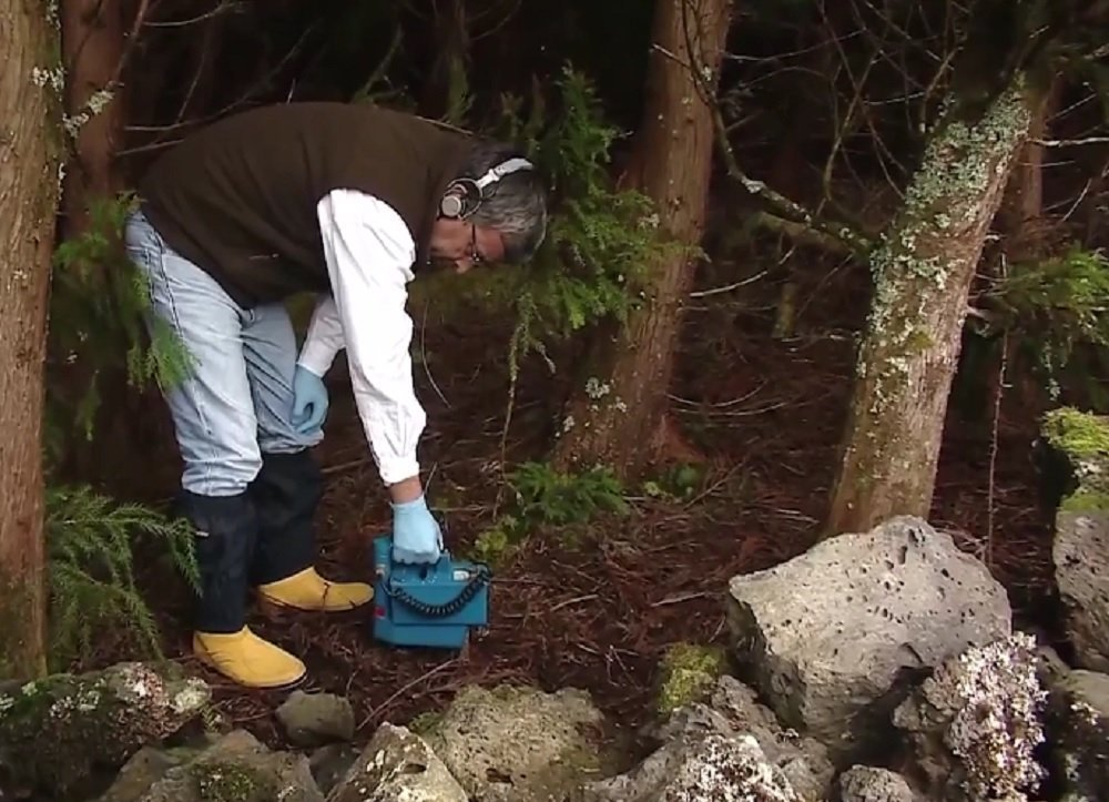 Orlando Lima mede radiação perto da base norte-americana nos Açores