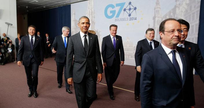 Barack Obama, Matteo Renzi, Stephen Harper; David Cameron; Jose Manuel Barroso; Francois Hollande; Shinzo Abe em reunião do G7
