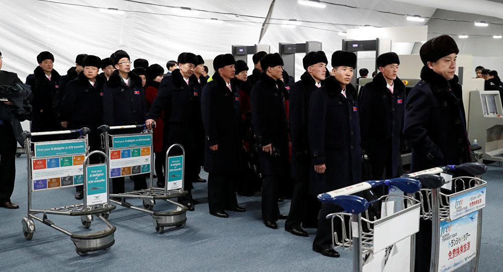 Delegação norte-coreana de 32 pessoas na aldeia olímpica de Gangneung