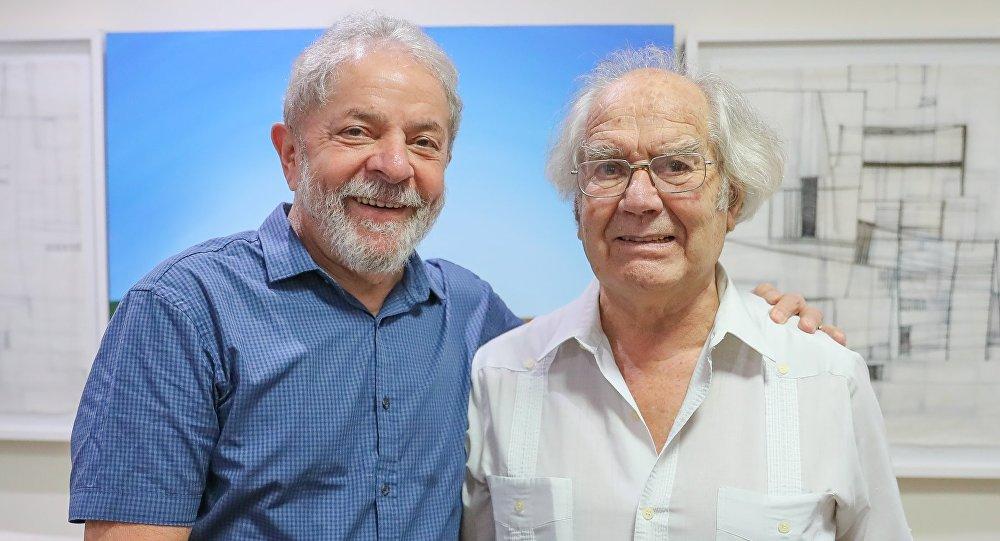 Vencedor do Nobel da Paz diz que vai indicar Lula ao prêmio