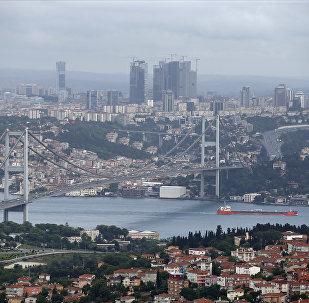 Vista de Istambul e da Ponte do Bósforo na Turquia. (Arquivo)