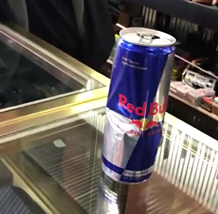 Overdose de Red Bull: rato morto é encontrado dentro da lata