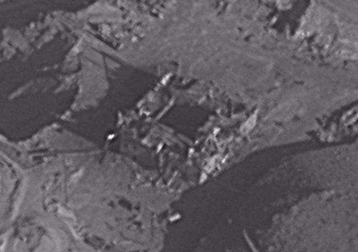 Ruínas do reator nuclear sírio após ataque israelense, foto publicada pelo serviço de imprensa do exército de Israel