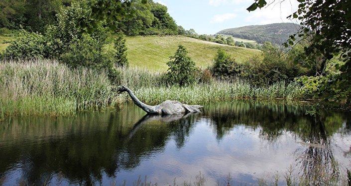 Monstro do lago Ness (apresentação artística)