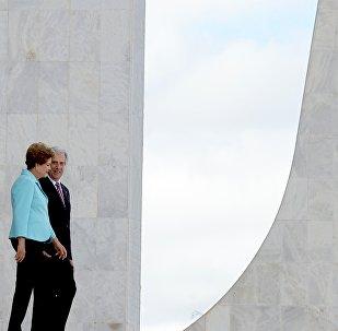 Tabaré Vázquez e Dilma Rousseff em 21 de maio de 2015, no Planalto.