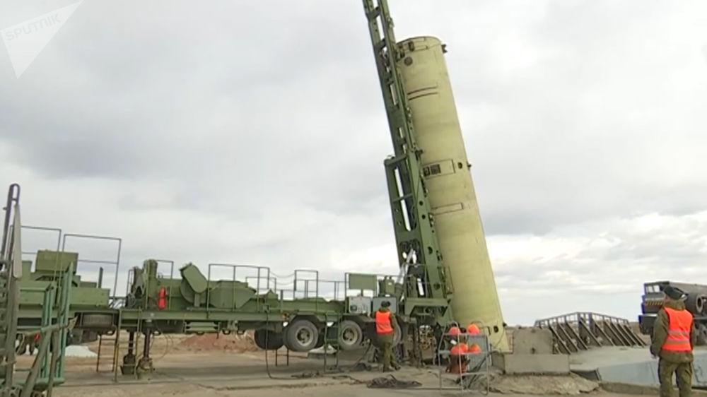 Teste do novo míssil russo no polígono de Sary-Shagan, no Cazaquistão