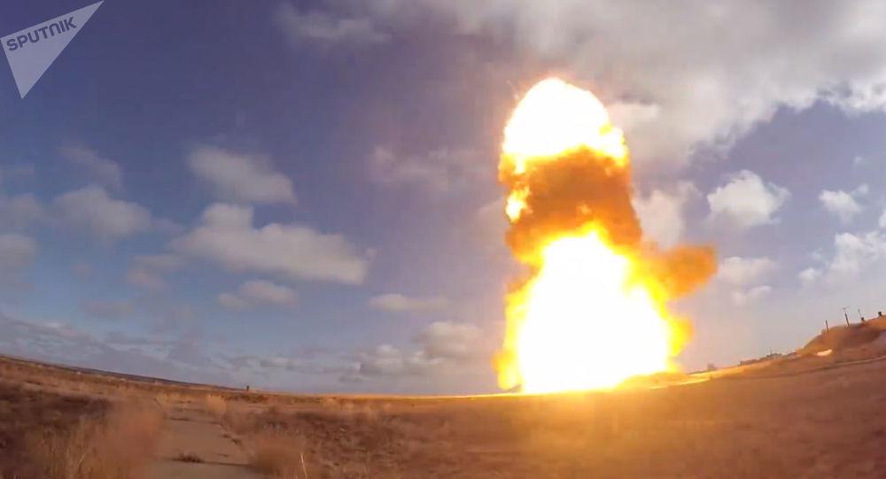 [© Sputnik / Ministério da Defesa da Rússia] Teste do novo míssil russo no polígono de Sary-Shagan, no Cazaquistão (imagem ilustrativa)