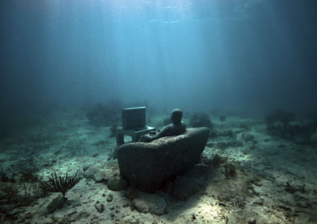 Exposição de Jason Taylor no Museu Subaquático de Arte em Cancún, México