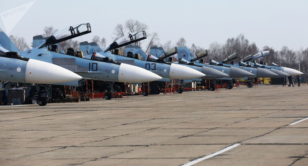 Caças multifuncionais Su-30 e Su-35 nas competições