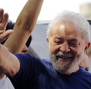 Lula em missa em homenagem à sua esposa falecida, Marisa Letícia, na cidade de São Bernardo do Campo, em São Paulo.