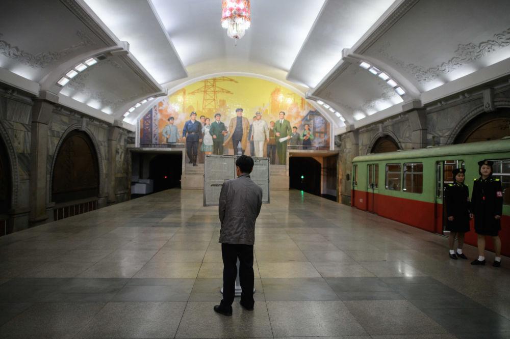 Metrô em Pyongyang, 10 de abril de 2018
