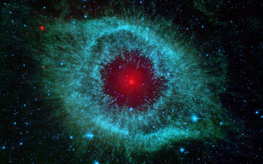 Nebulosa de Hélix, o NGC 7293, conhecida como Caracol, está localizada na constelação de Aquário, a uns 700 anos-luz da Terra