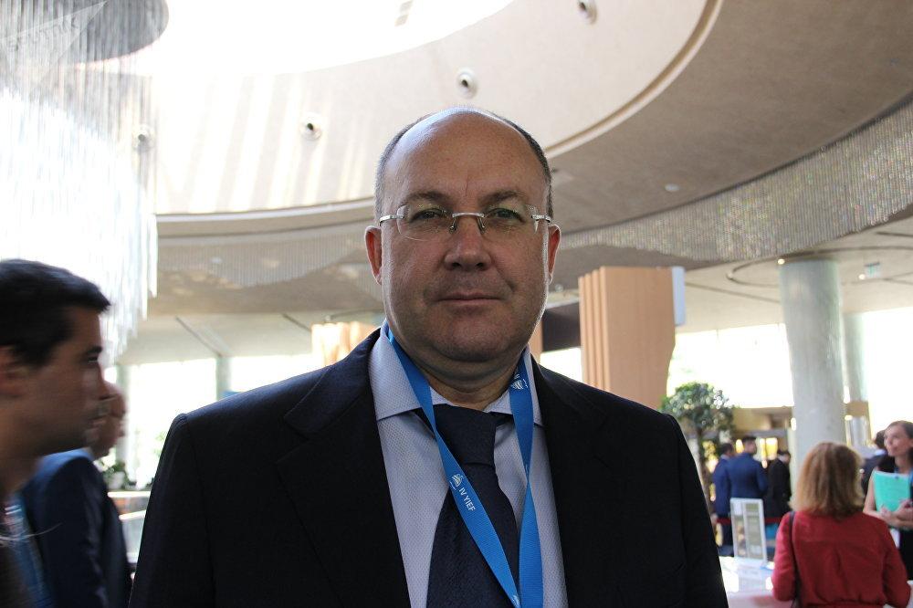 Chefe da Agência Federal de Turismo da Rússia (Rosturizm), Oleg Safonov, no 4º Fórum de Economia Internacional de Yalta