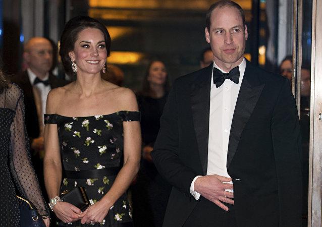 Duquesa de Cambridge, Kate Middleton, e príncipe William no tapete vermelho do Bafta, prêmio cinematográfico do Reino Unido