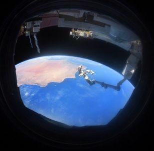 Foto da Terra tirada a partir do espaço pelo cosmonauta russo Anton Shkaplerov