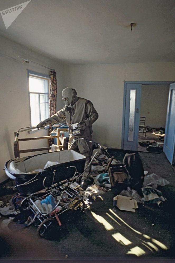 Descontaminação de uma área de 30 km da Usina Nuclear de Chernobyl para reparar efeitos negativos da catástrofe