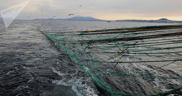 Rede de pesca na ilha russa de Kunashir (foto de arquivo)