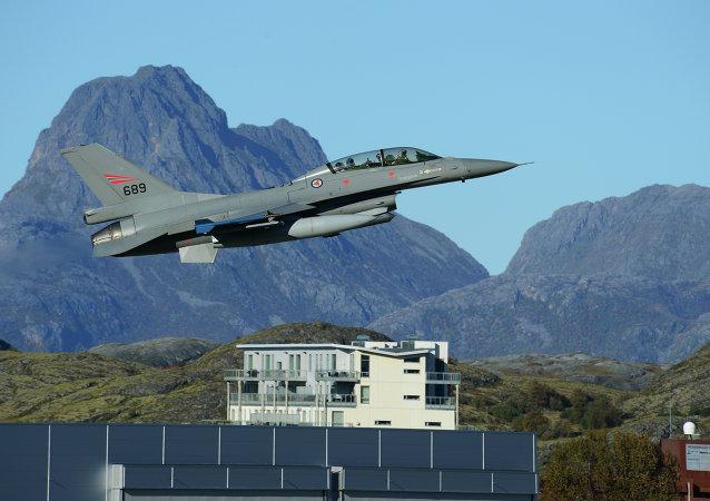 Avião F-16 da Real Força Aérea Norueguesa