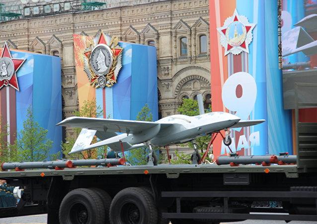 Veículo aéreo não tripulado Korsar participa do ensaio geral da 73ª Parada da Vitória, em 6 de maio de 2018, na Praça Vermelha