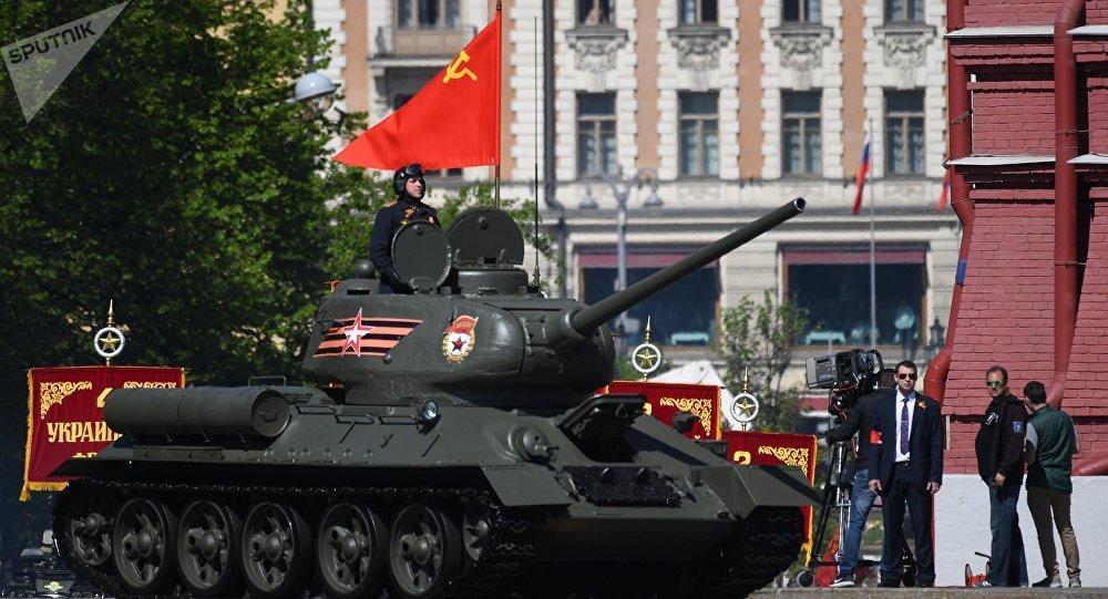 Tanque T-34 na Parada da Vitória em Moscou, 9 de maio de 2018