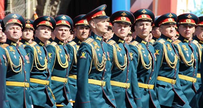 Regimento de Tropas Terrestres das Forças Armadas da Rússia passa pela Praça Vermelha durante a 73ª Parada da Vitória, na Praça Vermelha, em 9 de maio de 2018
