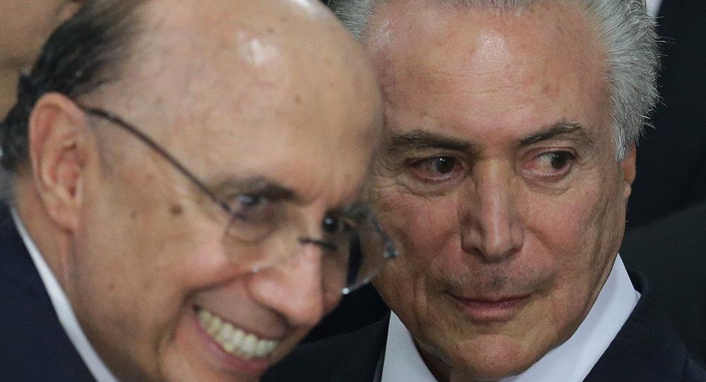 Henrique Meirelles e Michel Temer em evento em Brasília, maio de 2016.