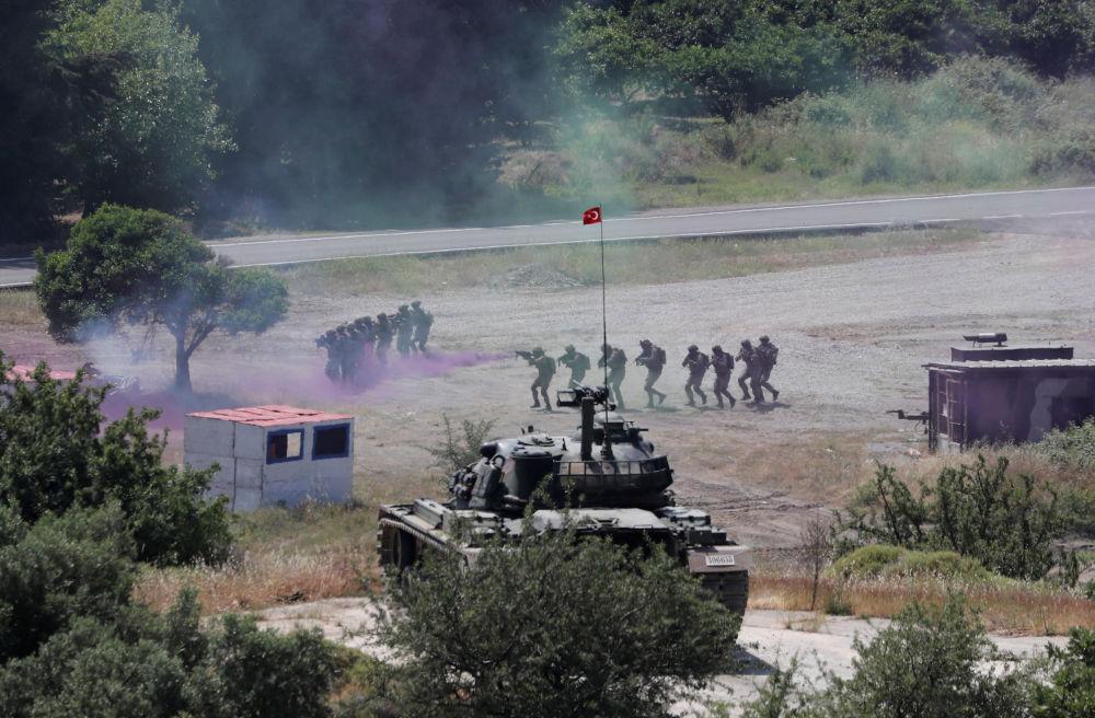 Manobras militares, 10 de maio de 2018