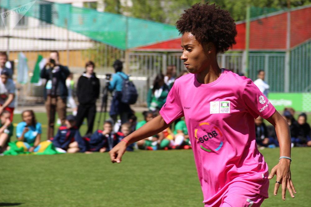 Ana Carolina Campos Lima, jogadora da seleção brasileira durante o amistoso com a Rússia na Street Child World Cup 2018