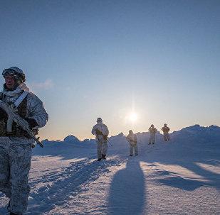 Forças especiais da República da Chechênia durante manobras na região do Polo Norte