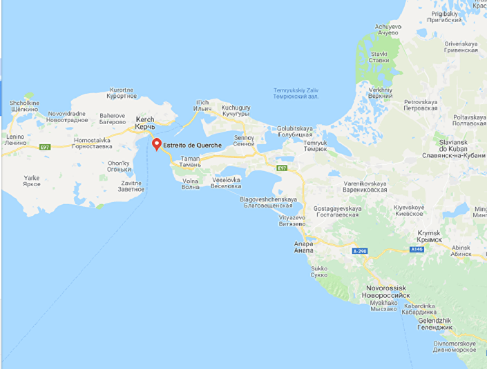 Captura da imagem do Google Maps do estreito de Kerch, Rússia, 17 de maio de 2018