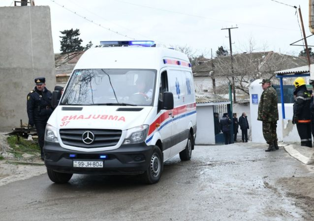 Carro de emergência médica na capital azeri de Baku (foto de arquivo)