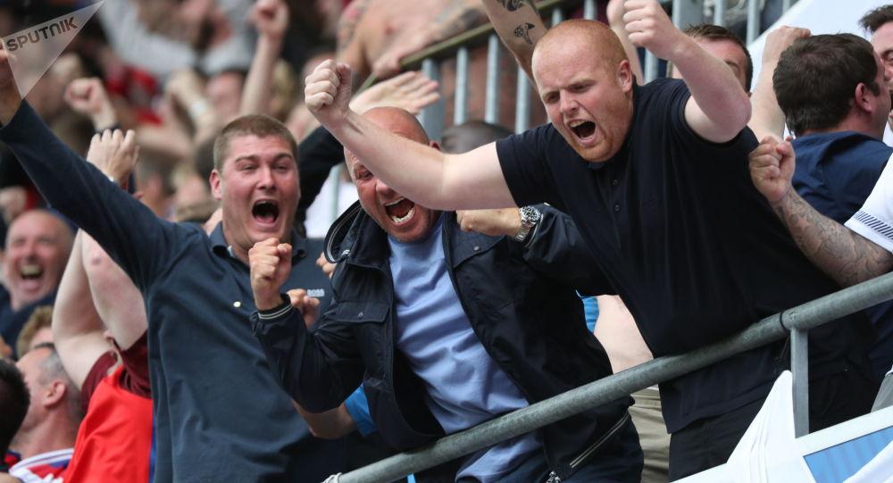 Torcedores ingleses no Campeonato Europeu de Futebol de 2016 na França