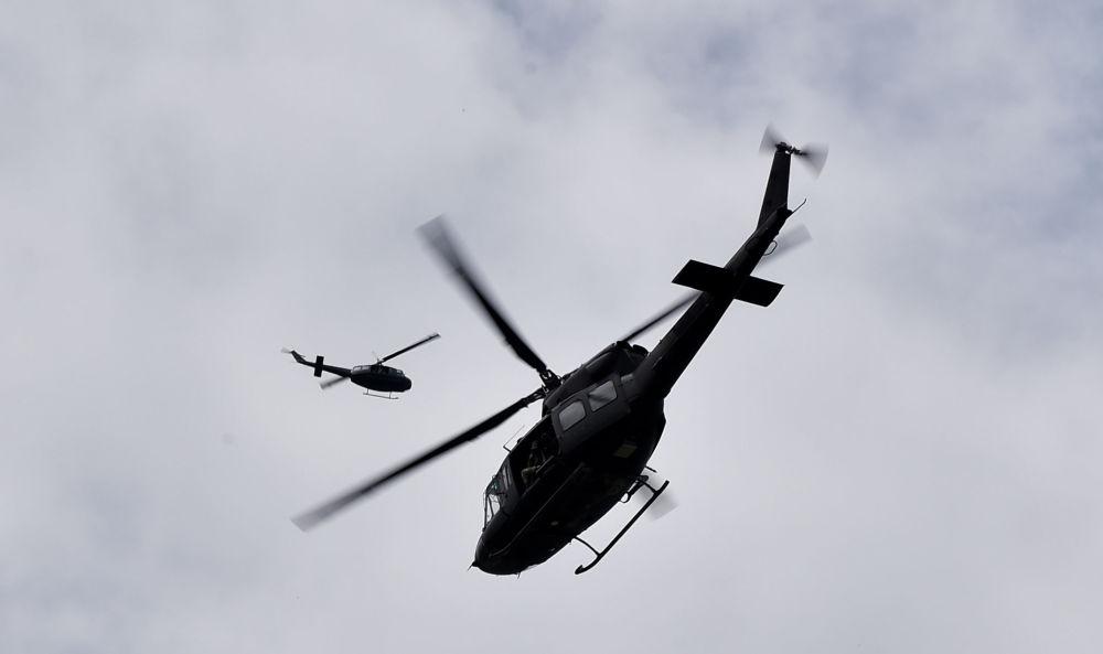 Helicópteros do exército italiano participam de treinamento militar, perto de Roma, em 21 de maio de 2018