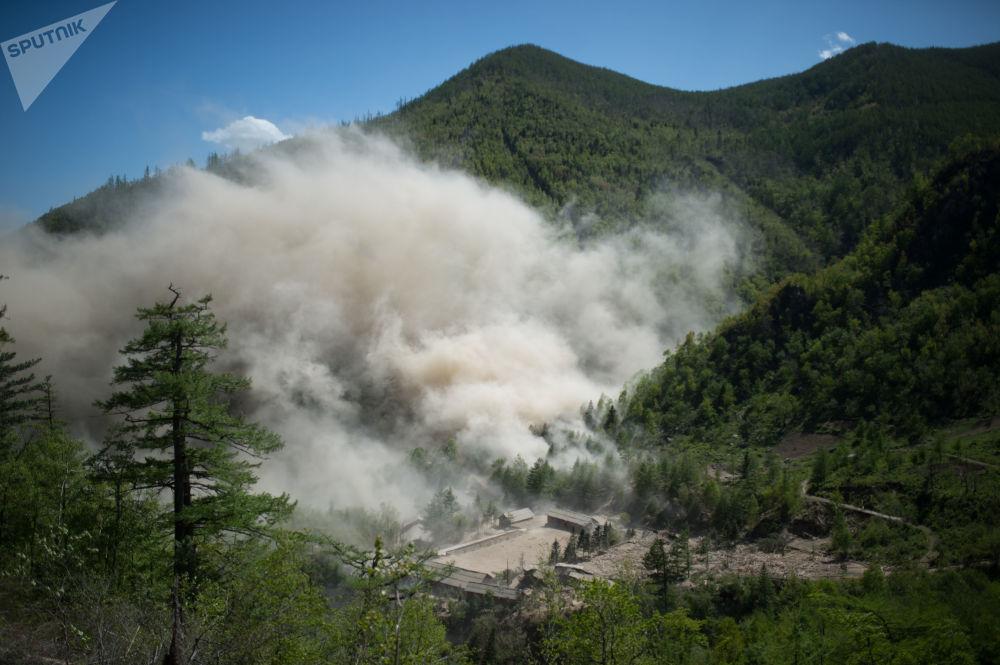 Destruição da mina de testes nucleares № 4 do polígono nuclear de Punggye-ri, no norte da Coreia do Norte