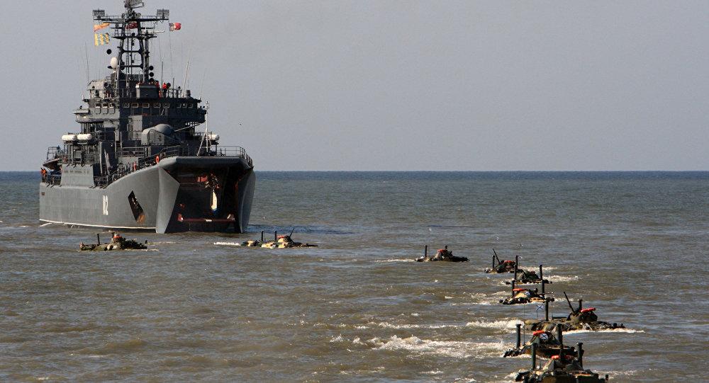 Exercícios de desembarque de tropas na região de Kaliningrado