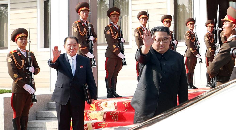 O segundo encontro entre os líderes coreanos foi marcado por risos e abraços