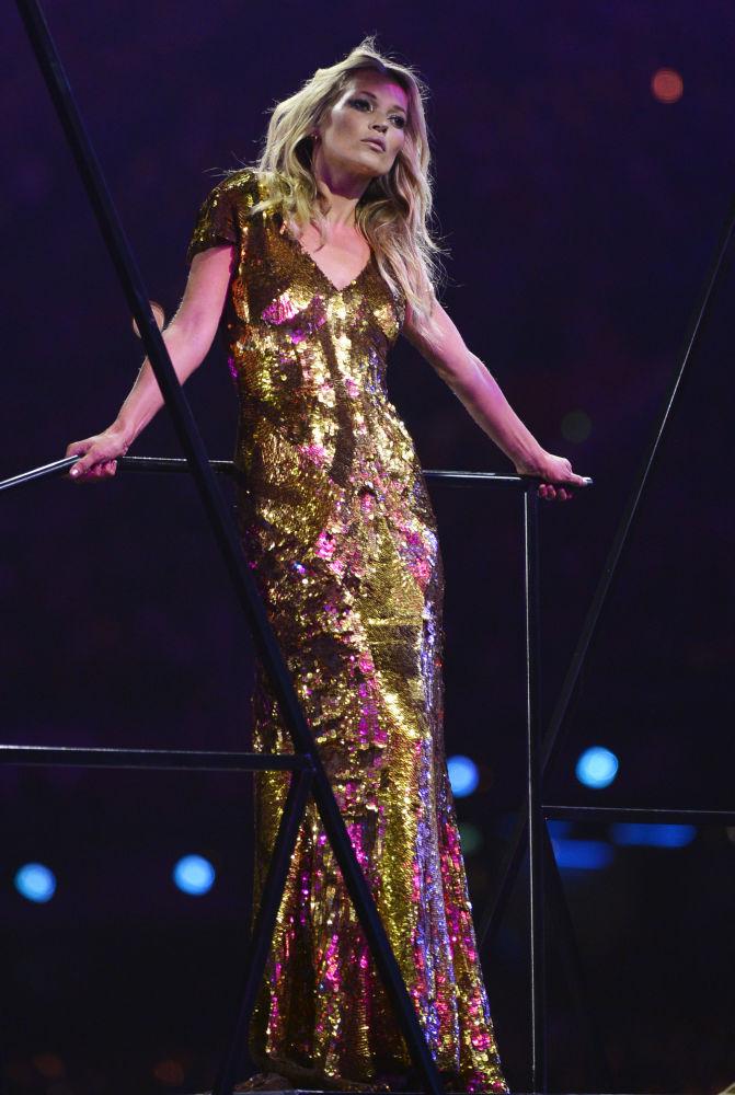 Modelo britânica Kate Moss na cerimônia de encerramento dos Jogos Olímpicos de 2012 em Londres