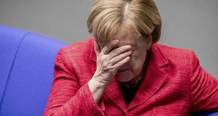 A chanceler alemã Angela Merkel participa de uma sessão plenária do parlamento alemão Bundestag em Berlim.