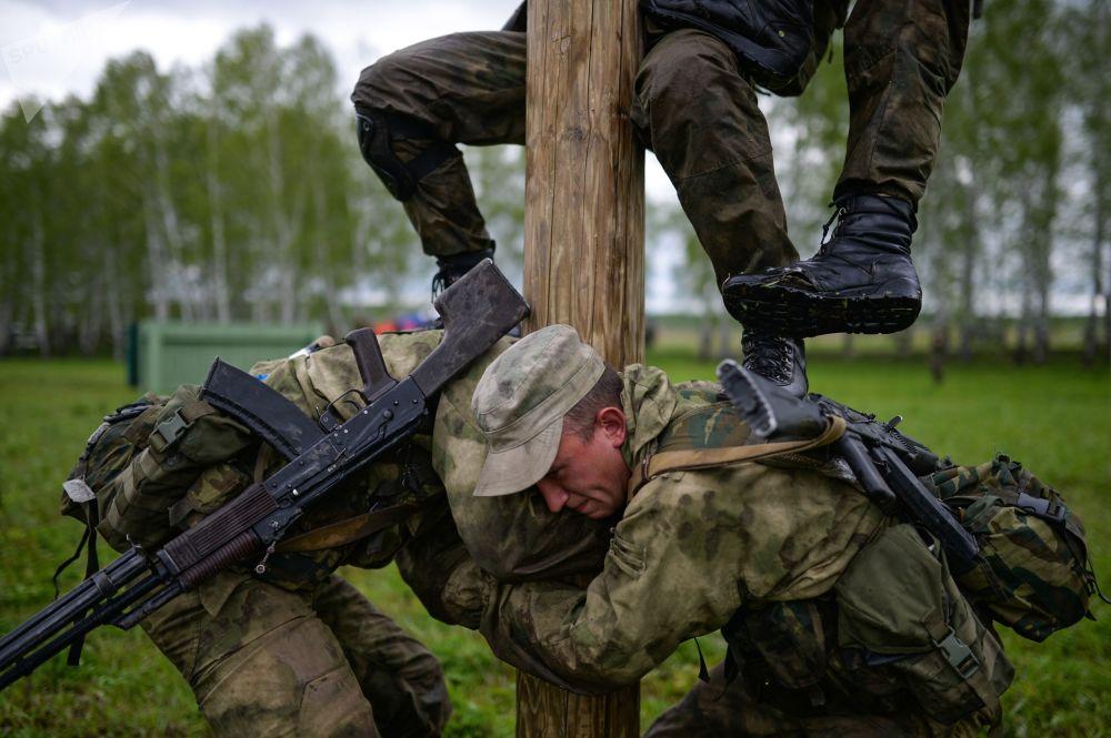 Os vencedores do concurso participarão dos Jogos Internacionais do Exército 2018, que serão realizados entre junho e agosto de 2018 na região de Novossibirsk