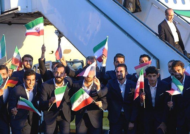 Seleção iraniana de futebol no Aeroporto Internacional Vnukovo, em Moscou