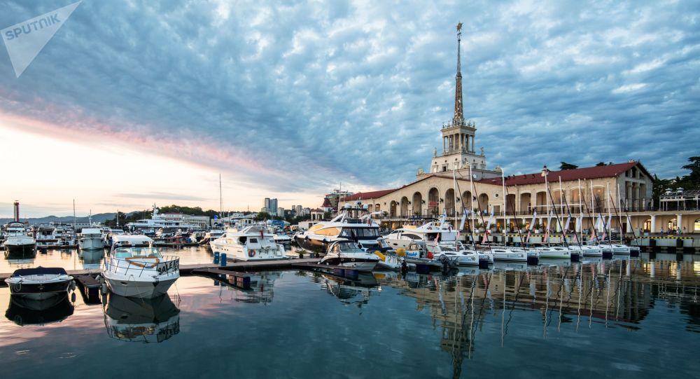 Terminal marítimo de Sochi, sul da Rússia.