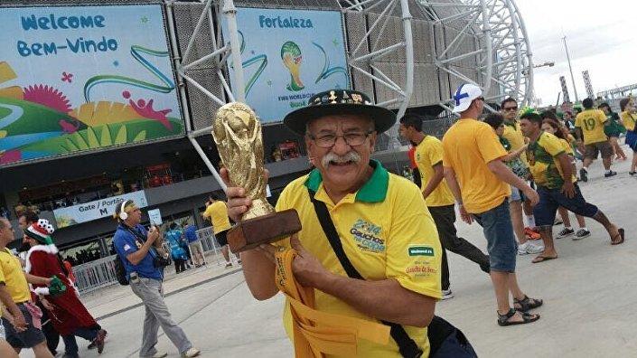 Clovis Fernandes, Gaúcho da Copa, fã mítico da Seleção Brasileira